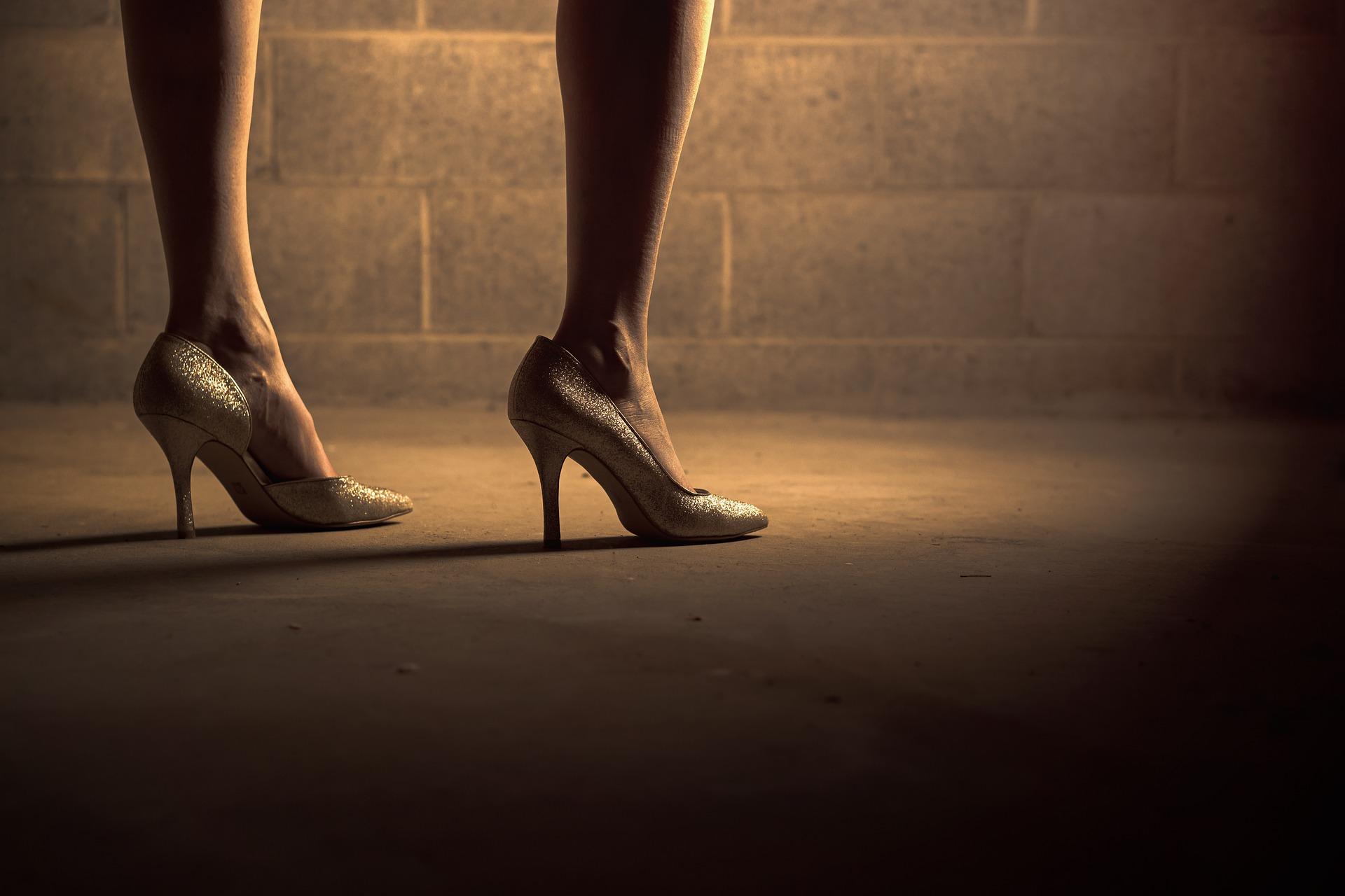 cum purtam pantofii cu toc inalt