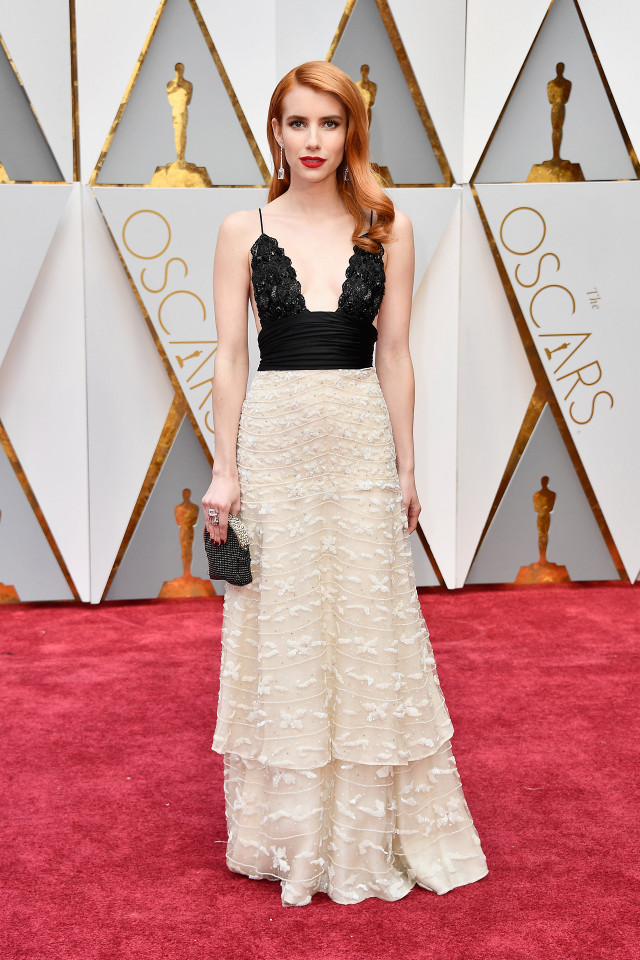 the-only-oscars-red-carpet-looks-you-need-to-see-2154825.640x0c (1)