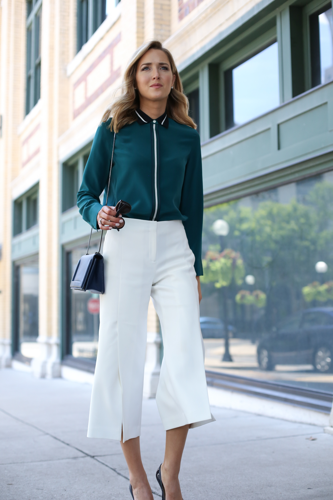 rag-and-bone-emerald-green-silk-collared-shirt-black-white-accents-white-ivory-culottes-work-wear-office-professional-business-style-fashion-blog-mary-orton-memorandum-31