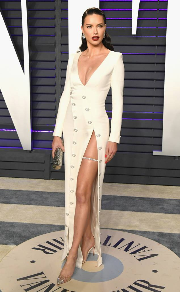 rs_634x1024-190224215742-634.adriana-lima-vanity-fair-oscars-party-2019.ct.022419